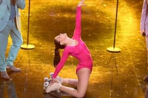 롤러 스케이트 댄서의 유려한 연기