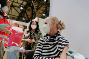 유럽에 코로나19 감염 재증가 경고