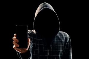 """국정원 """"금융기관 사칭해 국내 스마트폰 4만대 해킹 포착"""""""