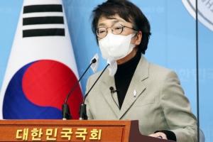 """김진애, 또 박원순 옹호…""""희망 주는 인물이 떠나는 비극 반복 안…"""