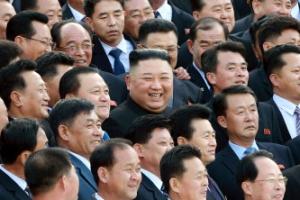 김정은 시군당 비서와 ´찰칵´