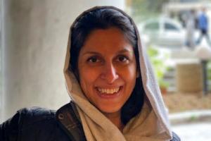 이란에서 5년 옥살이 영국 자선활동가 가택연금 끝, 딸 보려면 아직…