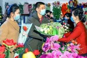 북한 '국제부녀절' 맞아 감사의 꽃다발