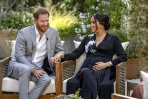 """마클 """"영국 왕실, 아들 피부색까지 따져…자살충동 있었다"""""""