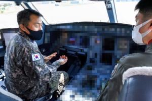 [포토] 이성용 공군참모총장, 공중급유수송기 탑승