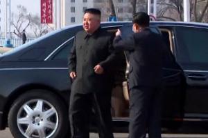 [포토] 평양서 주택 1만세대 착공식… 김정은, 벤츠 리무진 타고 등장
