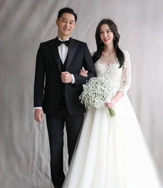 [서울En] 지누의 결혼, ♥ 예망 신부는 임사라 변호사 … 임신도 '더블 경사' [EN스타]