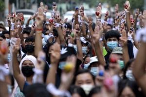 최악 치닫는 미얀마 사태…현장 담은 방송들