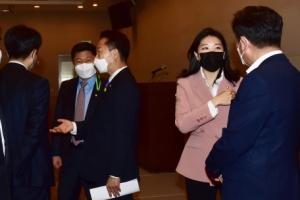 [서울포토] 더불어민주당 초선 의원 모임