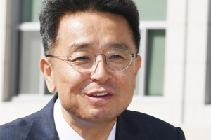 文, 靑정무수석에 '조국 방어 비판' 이철희 임명