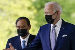 """미일 정상 '중국 견제' 한 목소리… 바이든 """"대북 공조""""·스가…"""