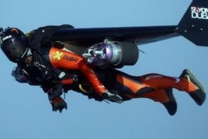 아이언맨처럼 날던 두바이 제트맨 사망…낙하산 뒤늦게 작동