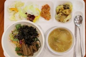 [서울포토] '지구의 날' 청와대 구내식당 채식 식단
