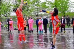 [포토] 북한 근로자의 날에 즐기는 스포츠