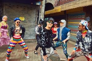 '조선의 힙' 앰비규어스댄스컴퍼니, 콜드플레이 신곡 협업