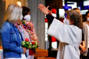 루터처럼 저항? 獨 사제들 동성애 축복