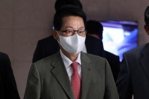박지원, 日 총리에 文대통령 '관계 정상화' 의지 전달