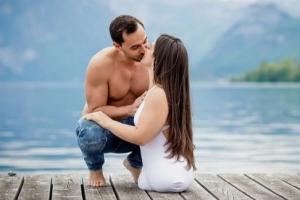 하반신 없이 태어난 여성…첫 눈에 반한 팬과 결혼
