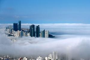 구름 위 도시