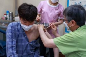 '민방위 대원' 이준석, 얀센 백신 접종