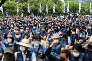 """경찰 """"택배노조 집회 참가자 사법처리…코로나 확산 위험 경고했다…"""