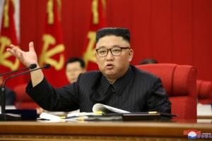 민생 강조한 김정은, 전원회의 끝난 뒤 공연 관람