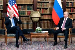 """바이든 """"얼굴 마주보니 좋아"""" 푸틴 """"이견 있었지만 건설적 회담…"""