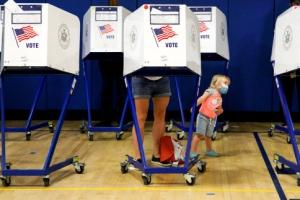 누굴 뽑나요?… 美 뉴욕시장 후보 예비선거 투표