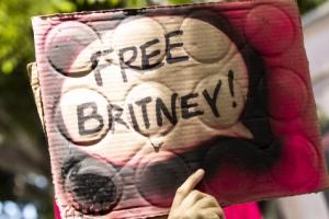 """""""난 노예가 아니다"""" 브리트니 법정 절규"""