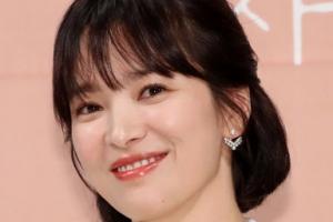 """""""얼굴 예쁘고 마음도 예뻐"""" 중국, 송혜교 띄우기…국면 전환용?"""