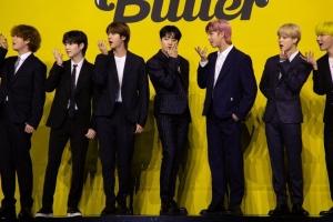 BTS '버터' 한 주 만에 '퍼미션 투 댄스' 밀어내고 1위 깜짝 복귀