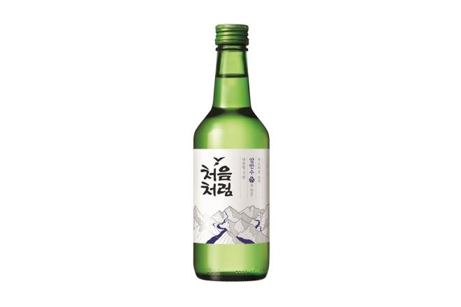 소주 '처음처럼' 리뉴얼.  롯데칠성음료 제공