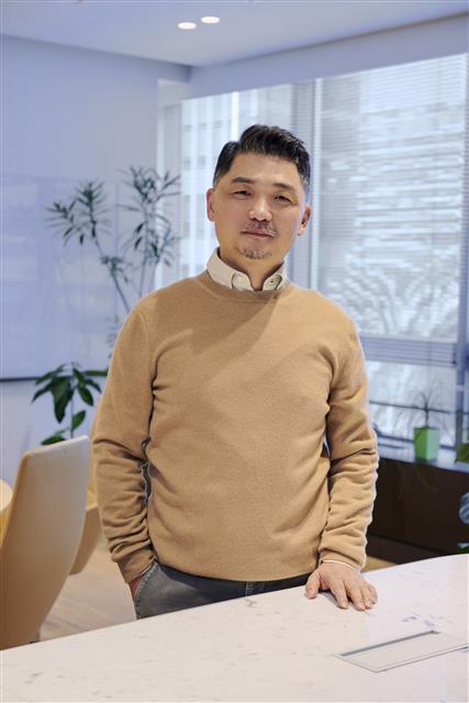 [서울신문] [재계 블로그]    김범수 '피투성이 주식'나눠 주다