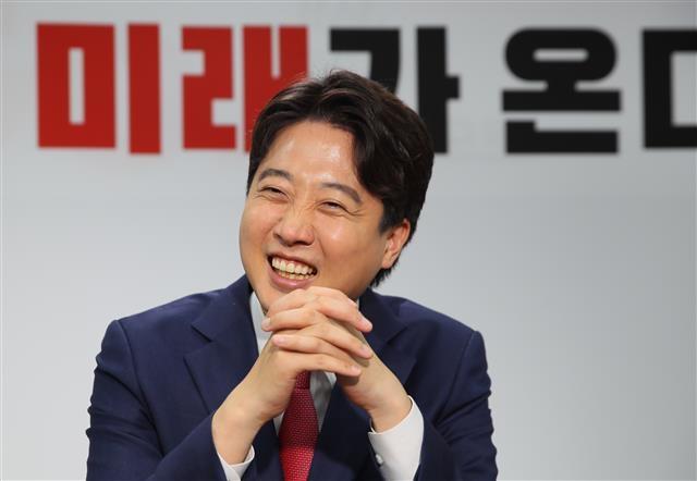 한국정치 '이준석 현상' 왜… 찐보수에 목말랐다
