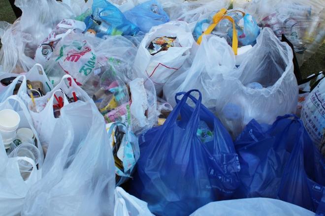 환경부는 폐기물분야 탄소중립, 순환경제 실현을 위해 소각·매립되는 폐플라스틱을 열분해 및 가스화를 거쳐 플라스틱 원료나 수소로 재활용한다는 계획이다. 서울신문 DB